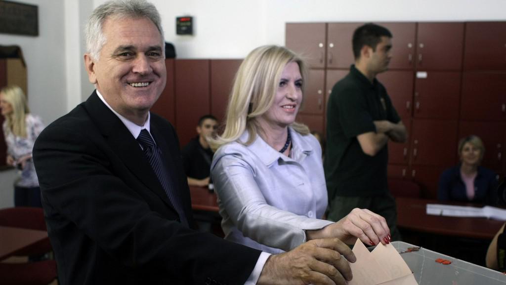 Tomislav Nikolić s manželkou