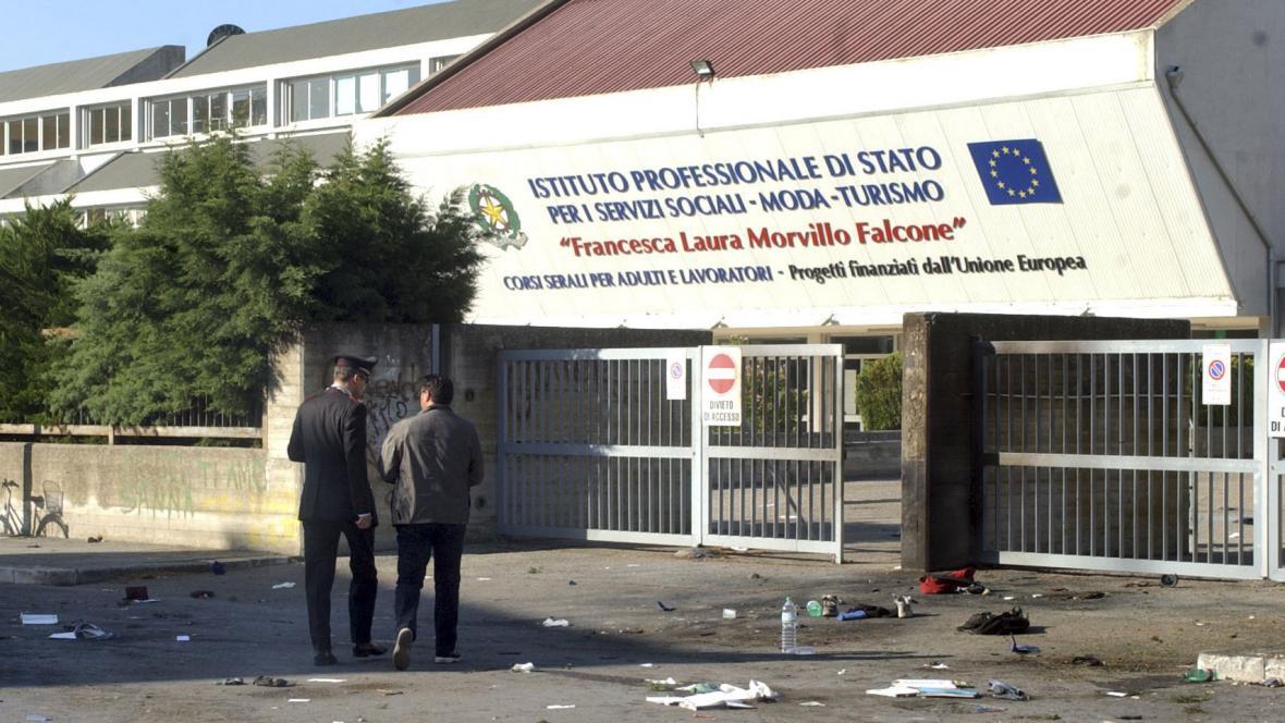 Útok na školu v Brindisi