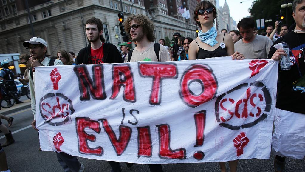 Protesty proti summitu NATO