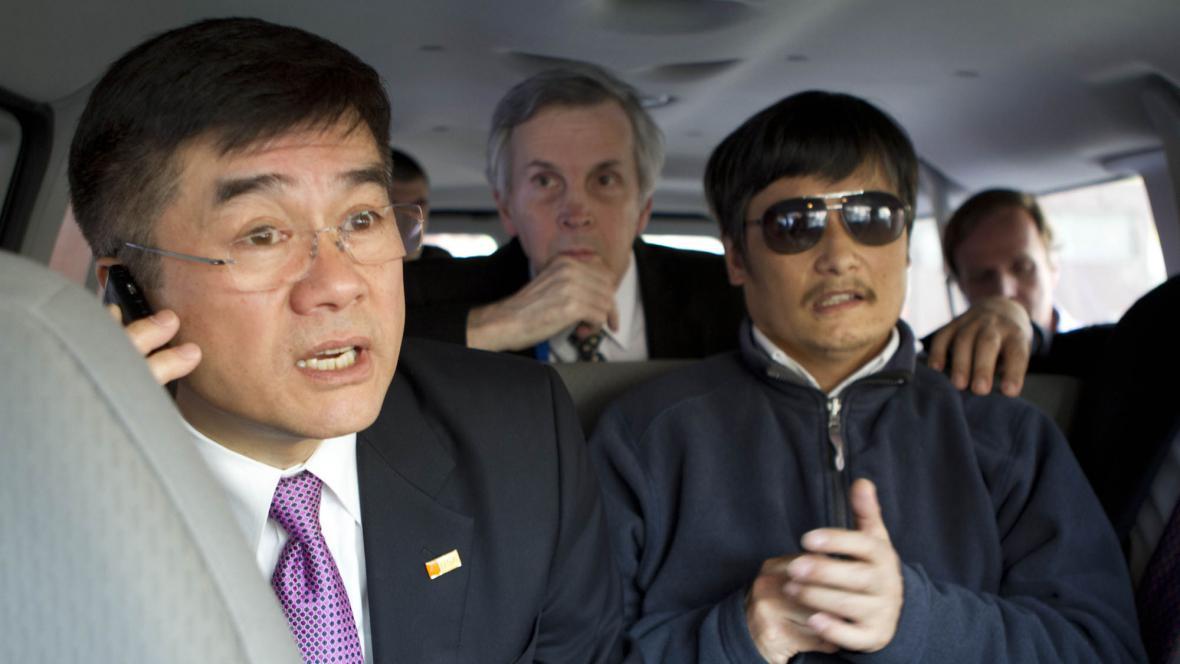 Americký velvyslanec v Číně a Čchen Kuang-čcheng