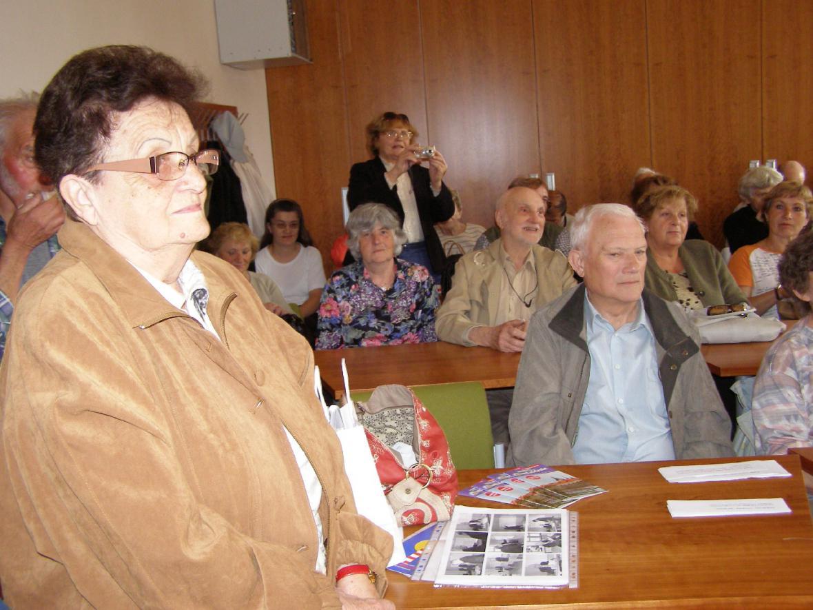 Lounští rodáci - Jiřina Fikejzová