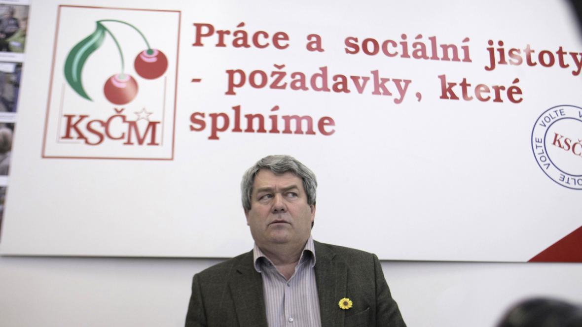Vojtěch Filip při kampani KSČM