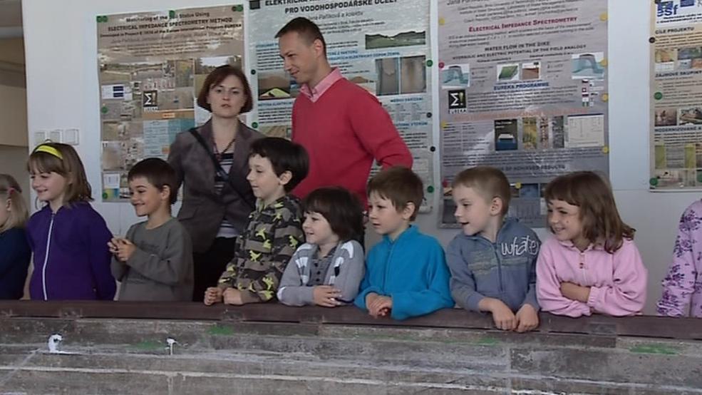 Návštěva dětí z mateřské školy na VUT