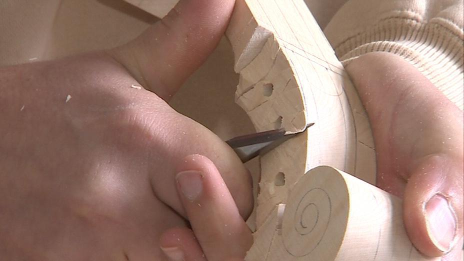 Výstava přibližuje houslařské řemeslo