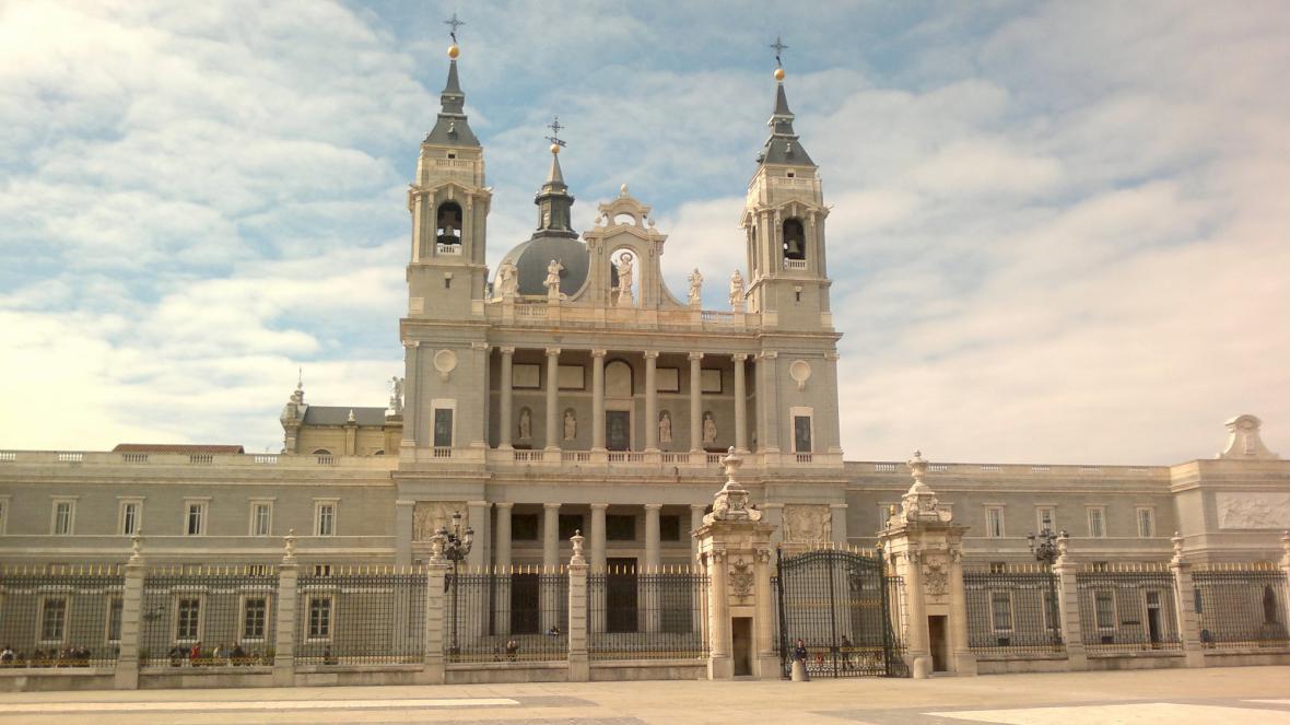 Katedrála Almudena