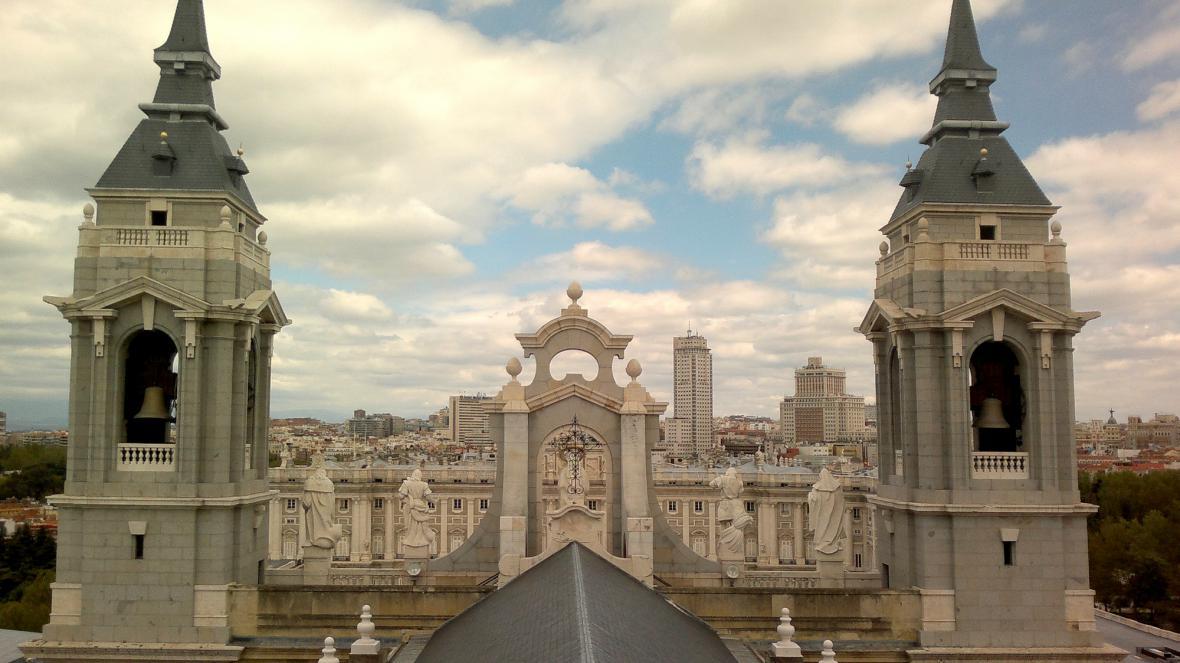 Almudena a Palacio Real