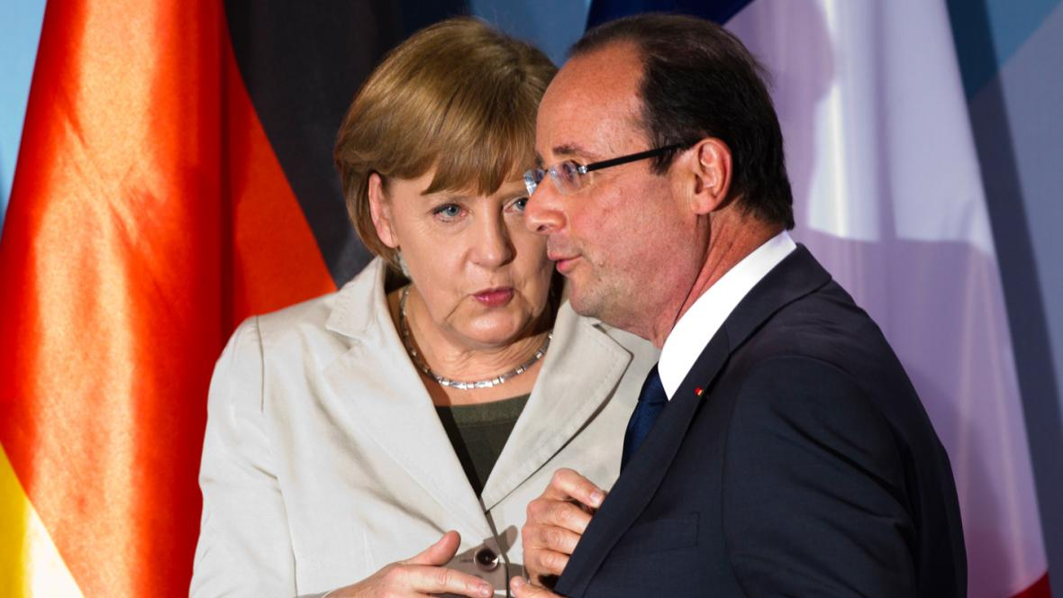 Brífink Angely Merkelové a Françoise Hollanda