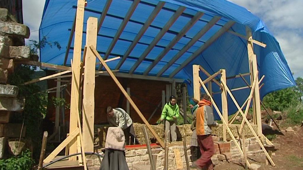 Základy budoucího domu ze slámy