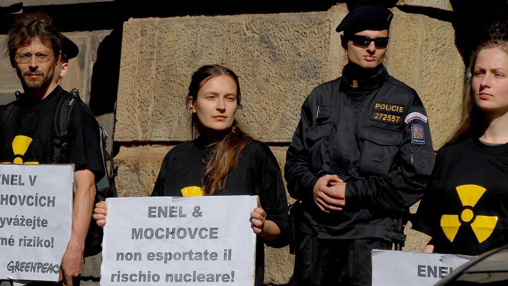 Greenpeace proti elektrárně Mochovce