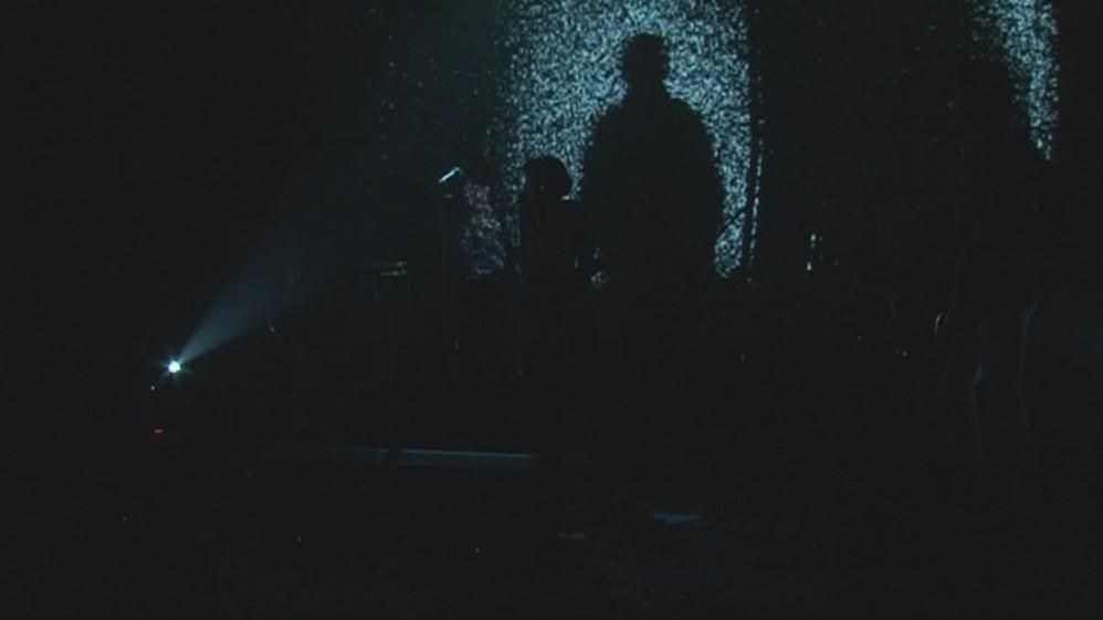 Během minuty ticha se Fléda ponořila do tmy