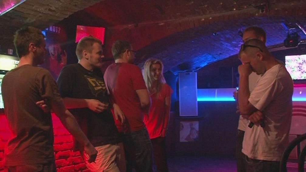 Minuta ticha v brněnských klubech na podporu Flédy