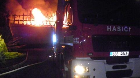 Požár skladu v Hrušovanech u Brna