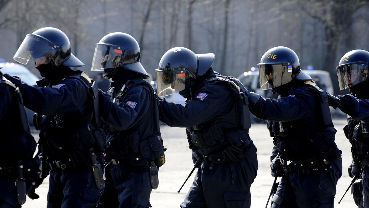 Policie se připravuje na fotbalové fanoušky