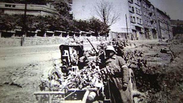 Příslušník Ruské osvobozenecké armády generála Andreje Vlasova v Praze