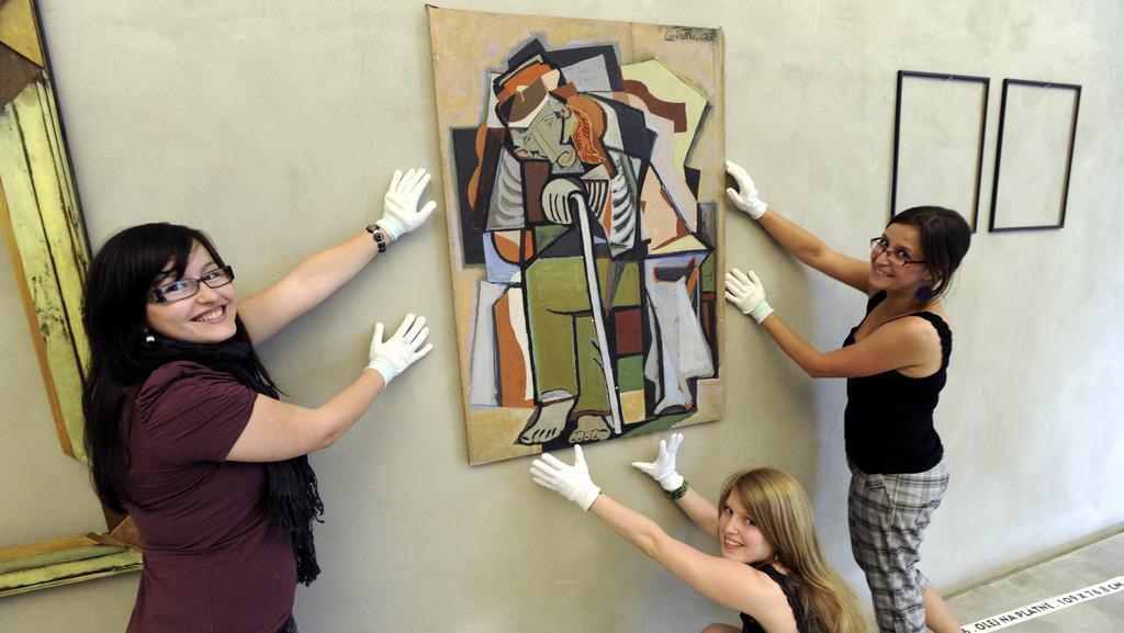 Výstava ukradených Fillových obrazů v Lounech