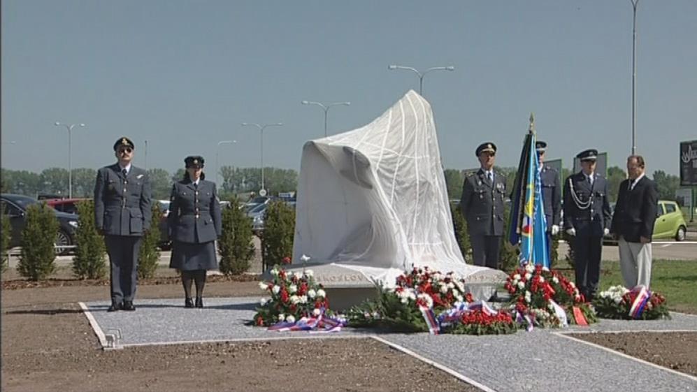 Pomník v Tuřanech připomíná válečné letce