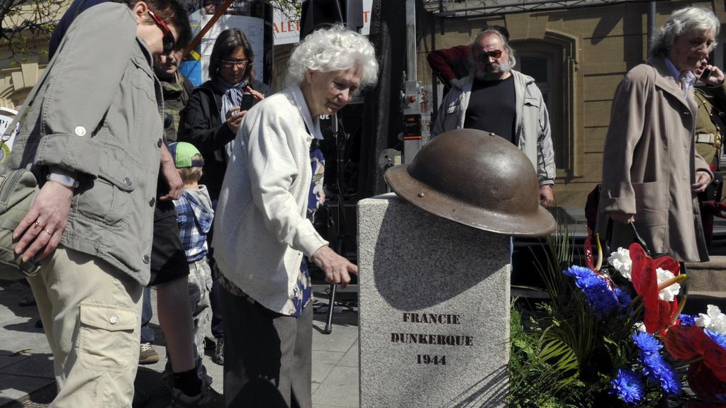Odhalení pomníku pozemním jednotkám v Plzni