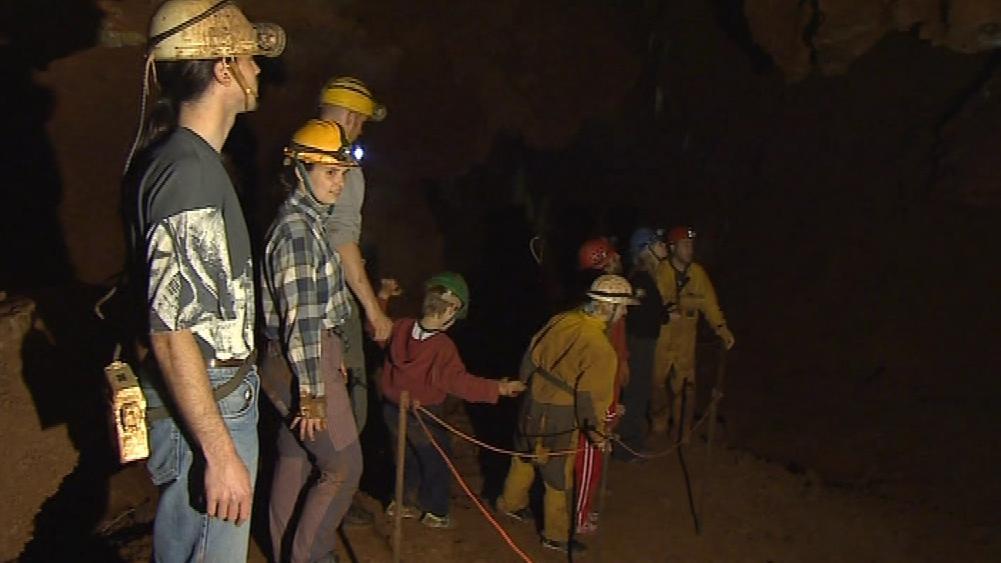 Do Královy jeskyně se podívalo asi 500 zájemců