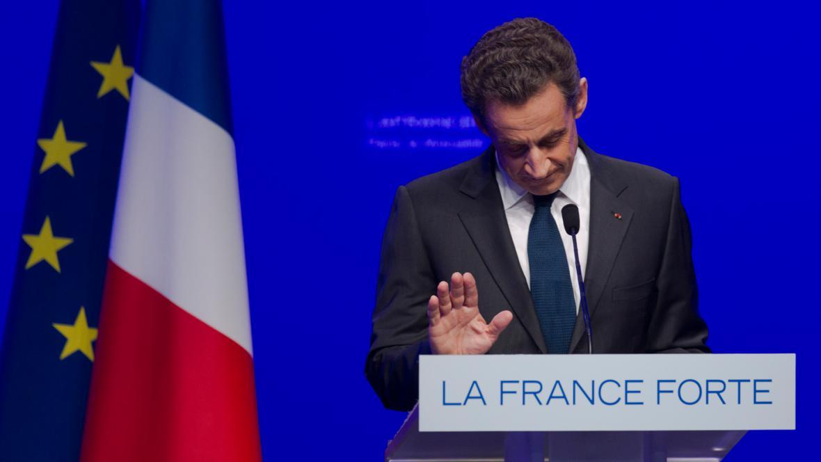Nicolas Sarkozy přiznal porážku