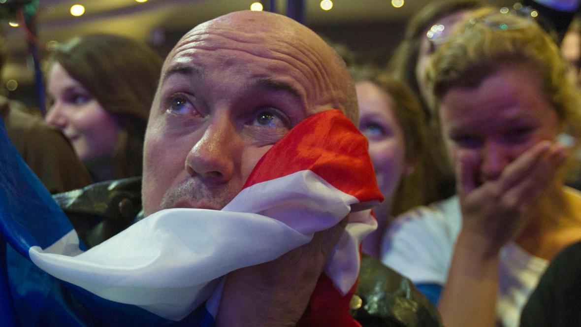 Nešťastní příznivci Nicolase Sarkozyho