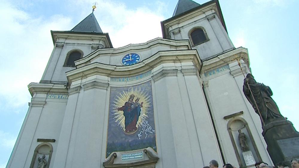 Bazilika letos slaví sté výročí korunovace Panny Marie Svatohostýnské