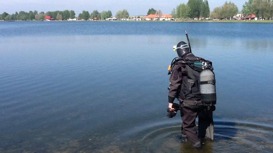 Potápěči byli pod vodou přes hodinu a půl
