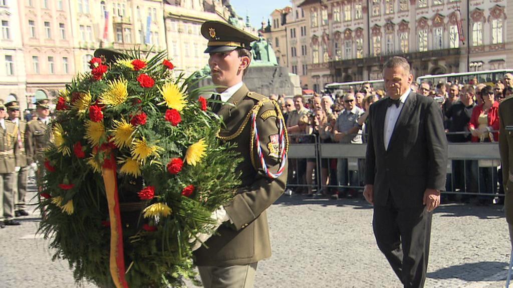 Bohuslav Svoboda na pietní akci k Pražskému povstání