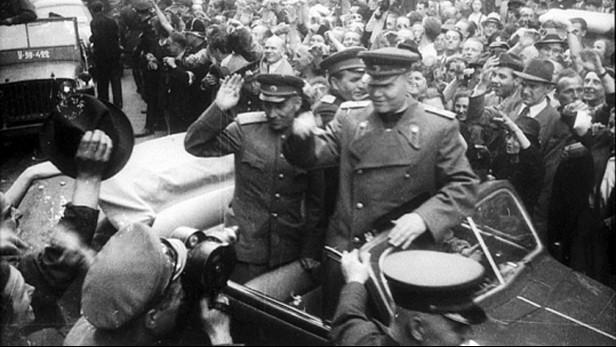 Maršál Koněv při osvobozování Prahy