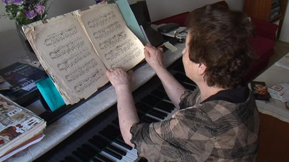 Anna Hanusová-Flachová zavzpomínala na to, jak v Terezíně zpívali