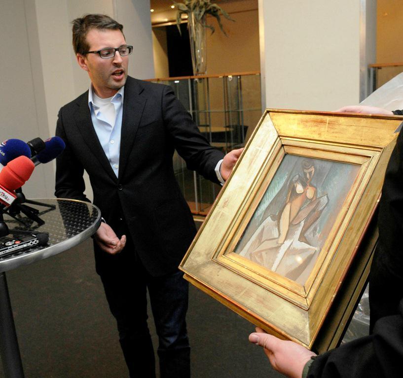 Jan Třeštík s obrazem od Pabla Picassa