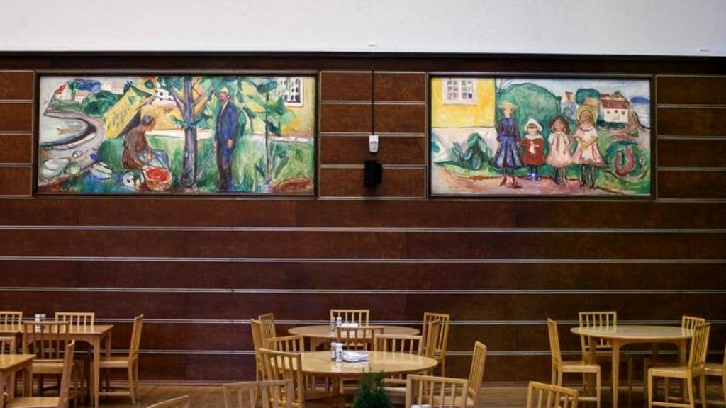 Kantýna čokoládovny s díly Edvarda Muncha