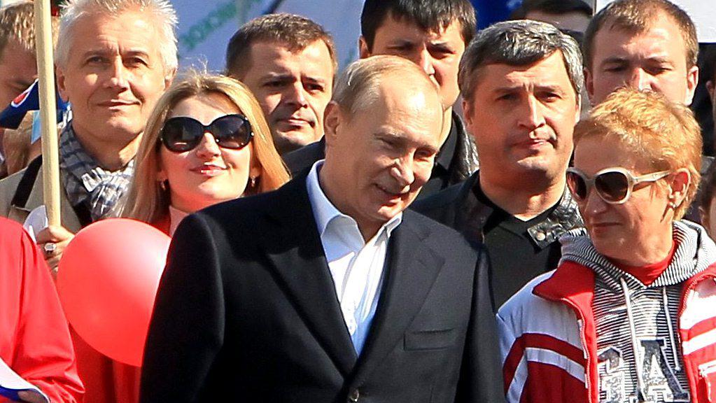 Vladimir Putin v prvomájovém průvodu