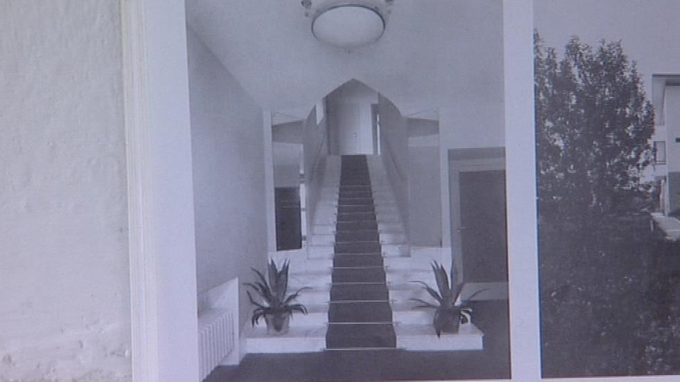Původní schodiště na dobové fotografii