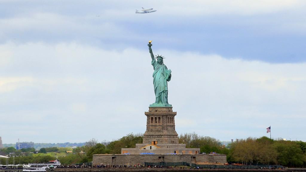 Raketoplán Enterprise nad New Yorkem