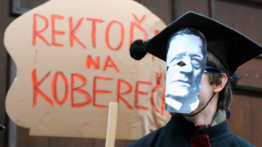 Demonstrace před ministerstvem školství