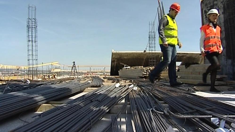 Jedno patro dělníci postaví za 10 až 14 dnů