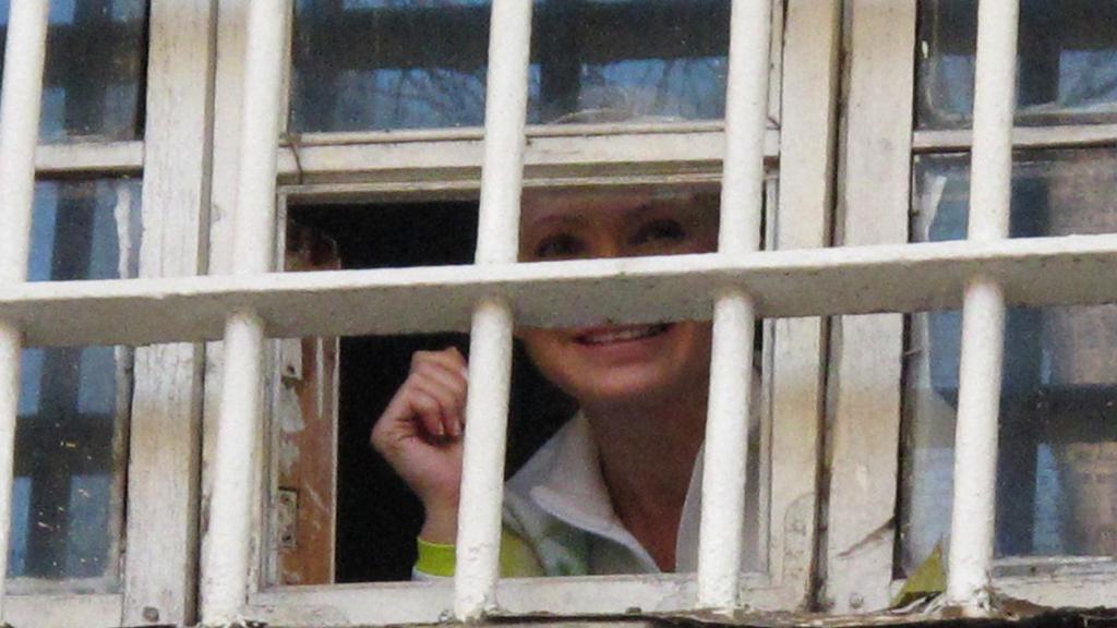 Julia Tymošenková zdraví své příznivce z vězení