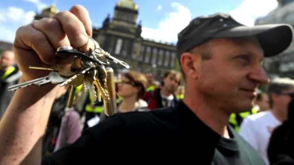 Zvonění klíčů na Václavském náměstí