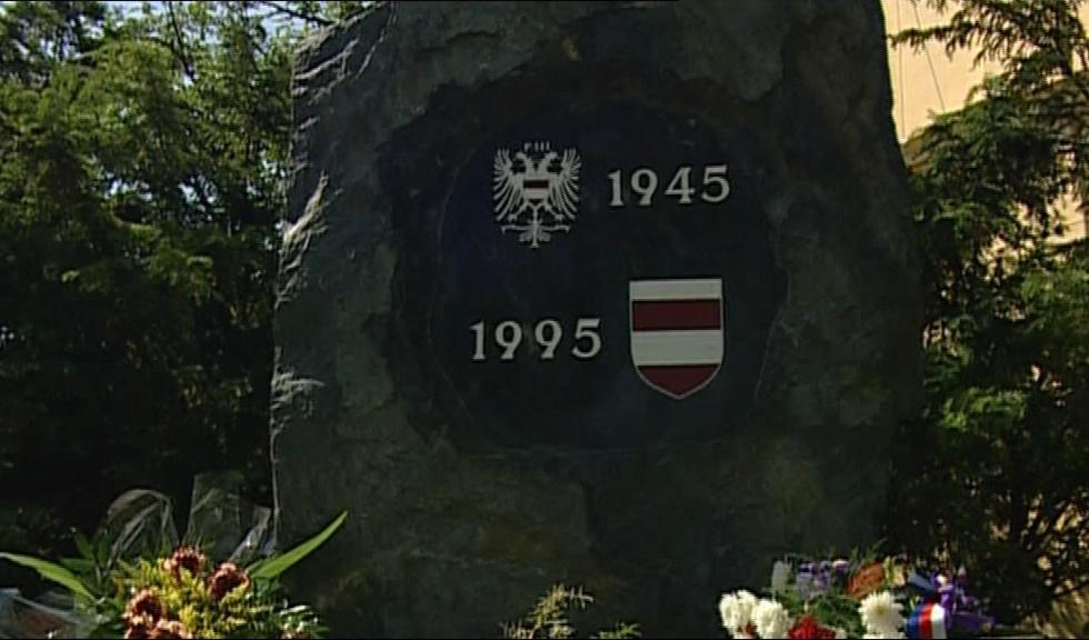 Památník obětem odsunu na Mendelově náměstí v Brně