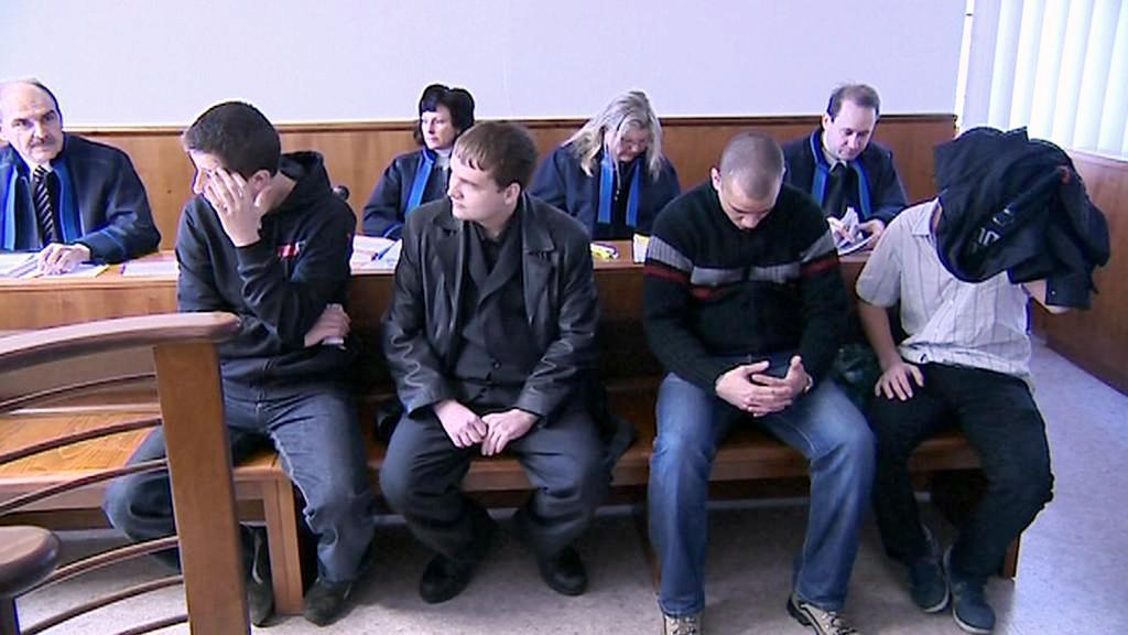 Muži stanuli před soudem kvůli propagaci nacismu