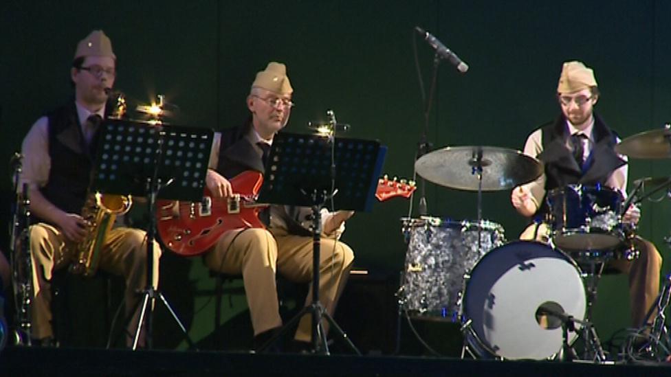 Nesmrtelné muzikálové hity v podání hudebníků Slováckého divadla