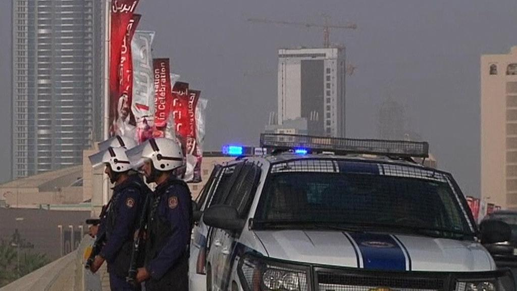 Policejní hlídky v ulicích Bahrajnu