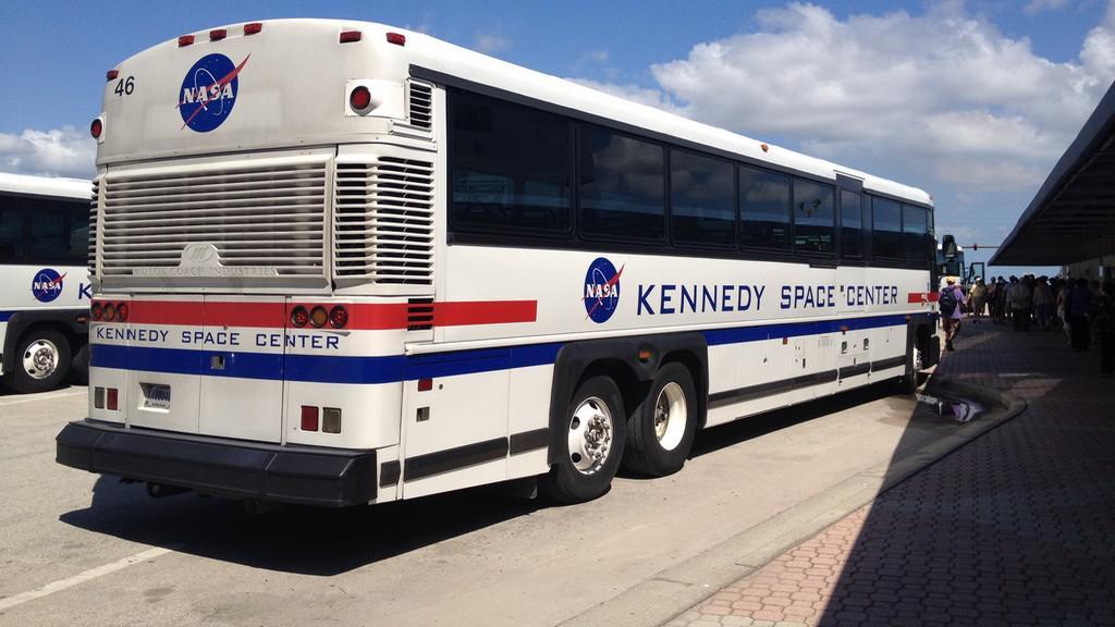 Autobus pro dopravu návštěvníků