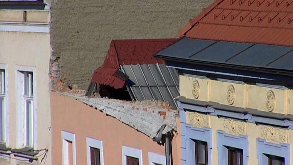 Neštěstí způsobil utržený kus domu