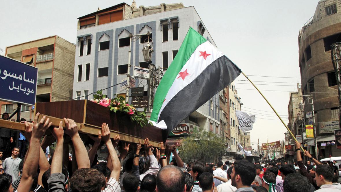Pohřeb oběti násilností v Sýrii