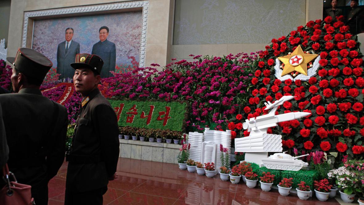Výstava kimčongilií a kimirsenií v Pchjongjangu