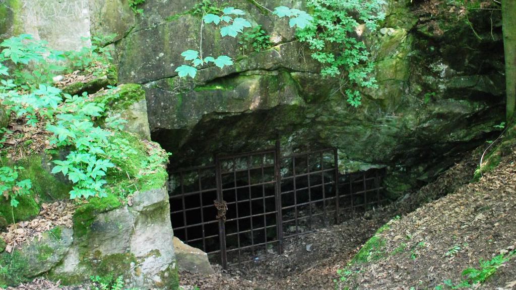 Vstup do Strašínské jeskyně