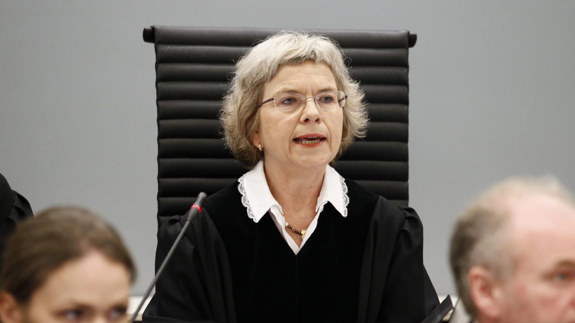 Soudkyně Wench Elizabeth Arntzenová