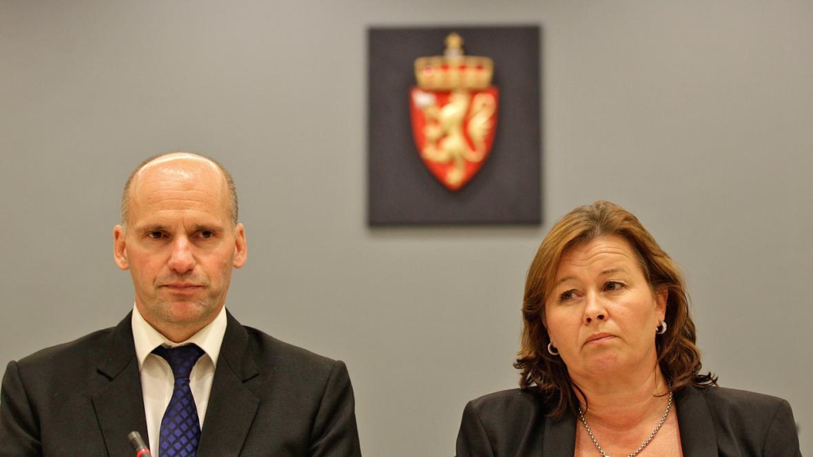 Breivikovi obhájci Geir Lippestad a Vibeke Heinová
