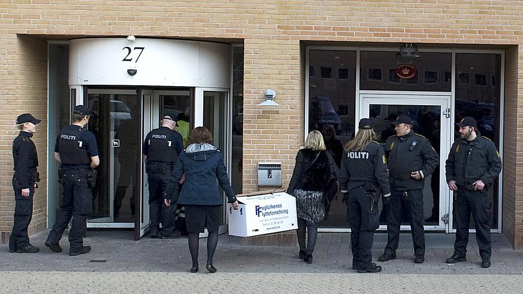 Dánská policie před soudem v Kodani